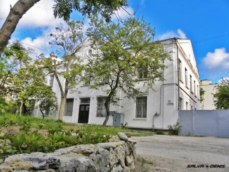 Гостиница «под ремонт» в курортном центре Евпатории
