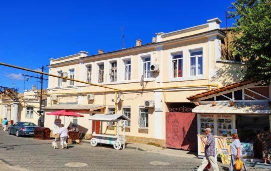 Три комнаты в исторической части Евпатории в 5 минутах от моря