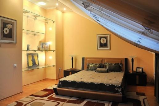 Двухуровневая квартира с дизайнерским ремонтом в Евпатории