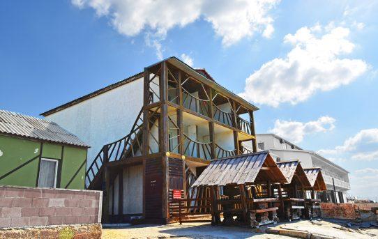 Гостиница с кафе в Крыму на берегу Черного моря