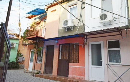 Две квартиры под сдачу в курортной части Евпатории